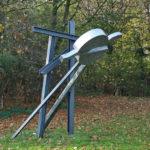 (23) Egidius Knops, Orion, 1991, staal, roestvrij staal, 280 x 320 x 330 cm