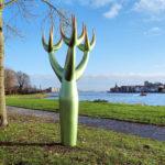 (3) Gonda van der Zwaag, Hoornboom, 2010, polyester, h 350 cm, ø kruin 260 cm