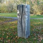 (24) Hedda Buijs, Groei, 1998, gegoten aluminium, 210 x 50 x 50 cm